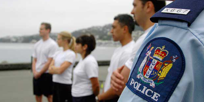 Police look for more Maori