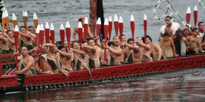 Kingitanga uses waka taua in river war