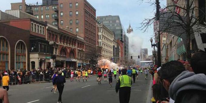 Pōnitiniti noa iho ā Amerika ki ngā pahūtanga i Boston