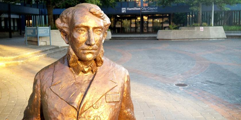 Hamilton statue removed from Kirikiriroa centre