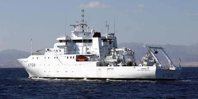 Charter vessel bill passes first hurdle