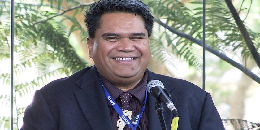 Te Hiku radio voice Dion Hobson dies