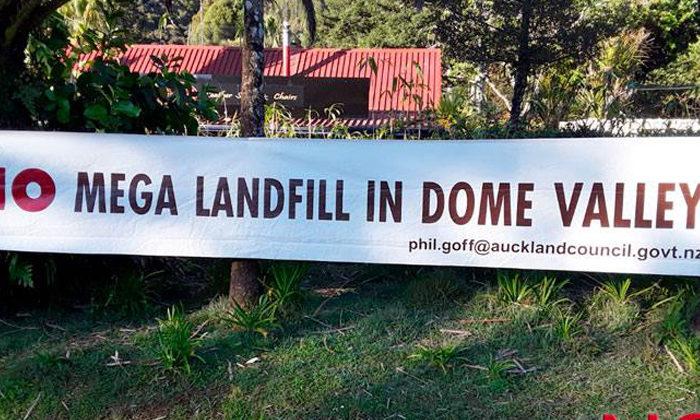 Hīkoi highlights threat from Dome Valley dump consent
