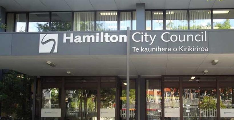 Hamilton mayor defends Maori seat cop out