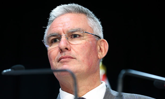 OPINION: Kelvin Davis has another terrible day at the office