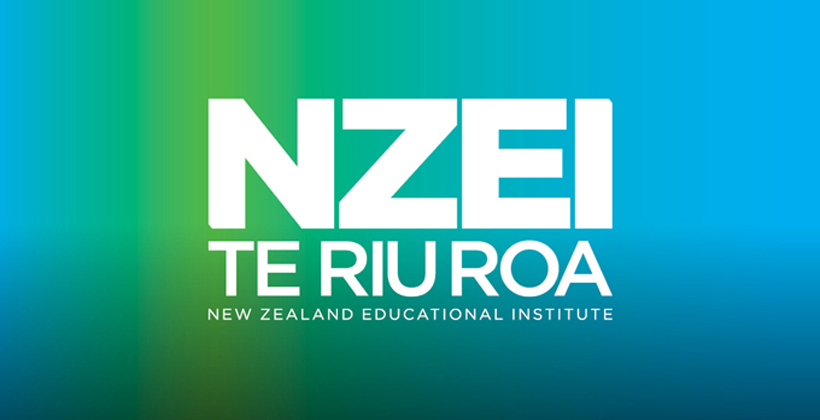Competition lures Māori from teaching