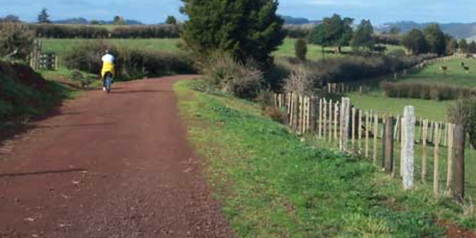Cycleway upsets rail land claimants