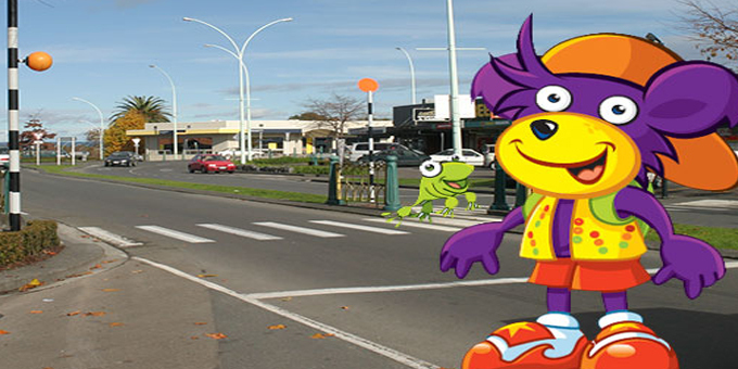 Ruben the Road Safety Bear looking out for tamariki