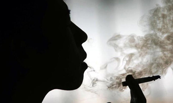 Taxes keeping Māori smokers in poverty