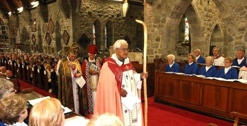 Bishops praise Archdeacon Tiki
