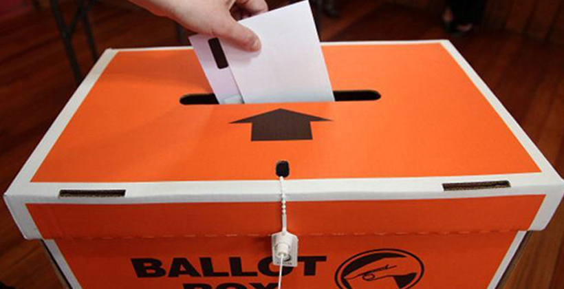 Voter rush strains poll officials