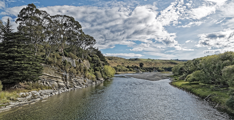 Iwi leaders sell-outs for blocking water action - Jones