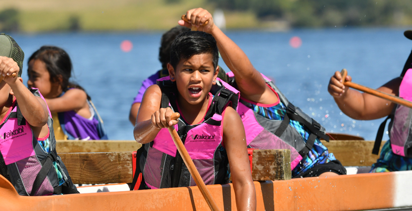 Crowds turn out for waka ama sprints
