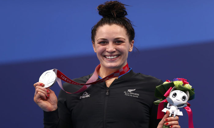 Sophie Pascoe takes silver for New Zealand in Tokyo